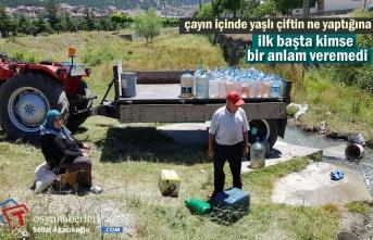 Tosya'da Yaşlı Çift Traktörle Çayın İçinde Bakın Ne Yaptı