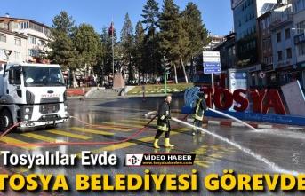 Tosya Belediyesi İtfaiye Ekipleri Caddeleri Yıkadı