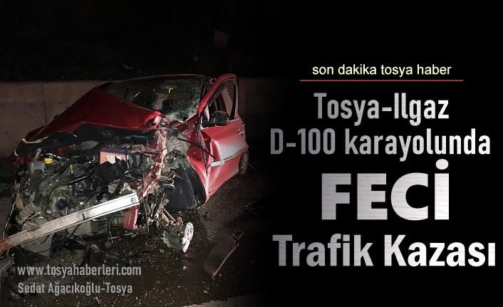 Tosya'da Otomobil İstinat Duvarına Çarptı