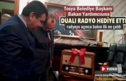 Tosya Belediye Başkanı Bakan Yardıcısına Dualı Radyo Hediye Etti