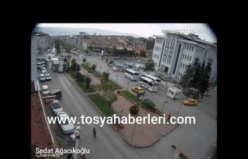 TOSYA'DA KAZA ANI GÜVENLİK KAMERASINA YANSIDI