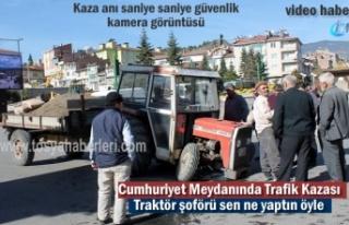 Tosya'da Trafik Kazası Traktör Ambulansa Çarptı...