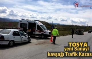 Tosya Yenis Sanayi Kavşağı Trafik Kazası; 1 Yaralı