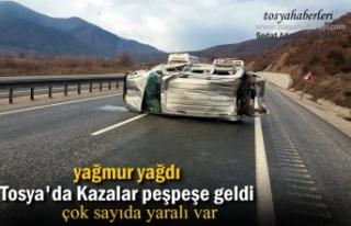 TOSYA D-100 'DE PEŞPEŞE TRAFİK KAZASI
