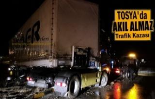 Tosya Ortalıca Kavşağında TIR Kazası