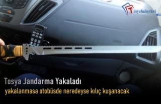 Tosya'da Otobüsde Kılıç Yakalandı