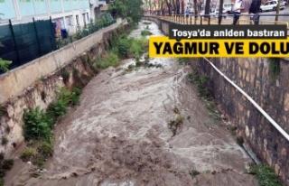 Tosya'da Ani Bastıran Yağmur Hayatı Felç...