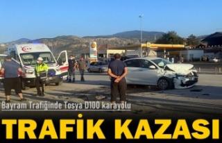 TOSYA D100 KARAYOLUND BAYRAM TRAFİĞİNİN İLK KAZASINDA...