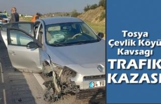 ÇEVLİK KAVŞAĞINDA TRAFİK KAZASI