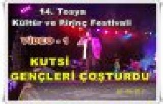 KUTSİ KONSER - TOSYA VİDEO - 1