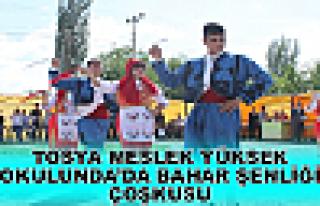 TOSYA MESLEK YÜKSEL OKULUNDA 'DA BAHAR ŞENLİĞİ...
