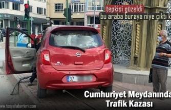 Tosya Cumhuriyet Meydanı Trafik Kazası