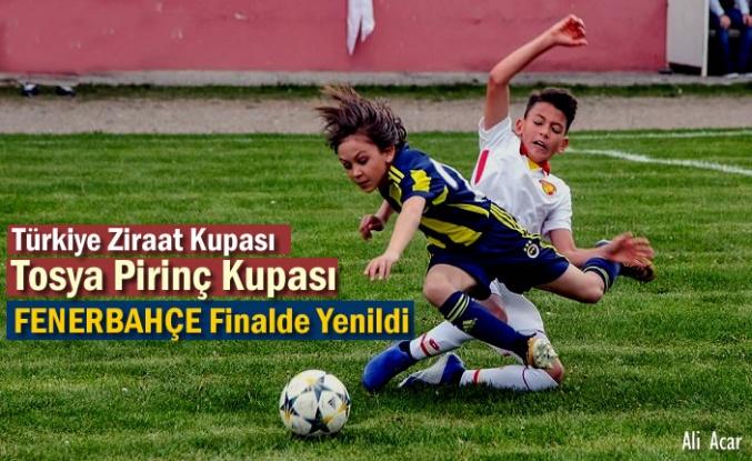 U11 Tosya Pirinç Kupası Finalinde Fenerbahçe'yi yenen Bursaspor Şampiyon